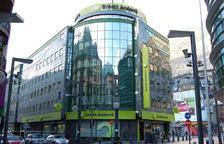 El banc se situa al lloc 843 del món i el primer del país.
