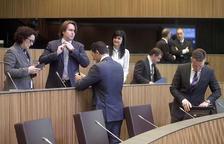 Cinc consellers liberals veten la moció de censura