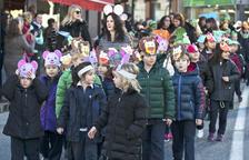Els escolars avancen la celebració del carnaval