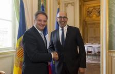 Saboya explica a París el procés d'acostament a la UE
