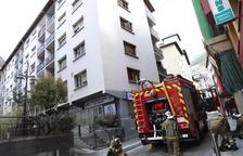 Els bombers extingeixen un foc en un pis a la part alta d'Escaldes