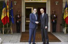 Rajoy es compromet a donar suport a Andorra pel tabac a la UE