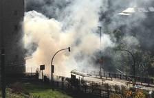 Un cotxe s'incendia i obliga a tallar la carretera de l'obac