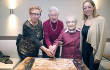 Pastís amb les padrines per celebrar Santa Àgueda