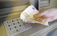 Roben en caixers automàtics de vàries entitats bancàries