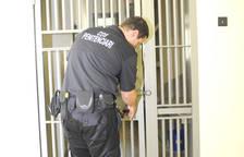 Empresonat per mantenir relacions amb un menor