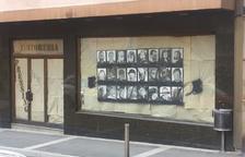 Retiren la mostra sobre presos polítics situada a un aparador d'Escaldes