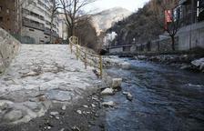 Sant Julià projecta un parc familiar a tocar del riu Valira