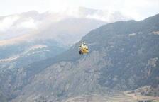 Els bombers rescaten de nit un jove a la ruta Coronallacs