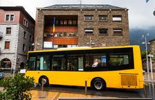 """La capital manté """"de moment"""" els autobusos pel carrer Prat de la Creu"""