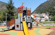 Tres noves zones de joc per als infants al Prat del Roure