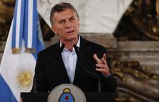Macri anuncia un dur ajustament fiscal per frenar la crisi econòmica