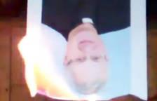 Arran crema de nou una foto del Copríncep i diu que segueix la lluita