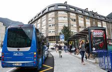 La parada de bus del pàrquing del Parc Central, operativa