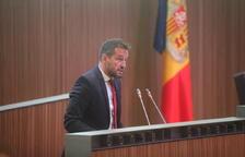 """López acusa DA de voler """"guanyar vots castigant els funcionaris"""""""