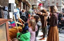 Un centenar d'infants fan cagar el tió a Ordino