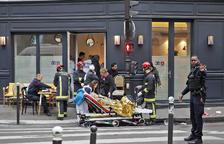 Tres morts i deu ferits greus per una explosió de gas al centre de París