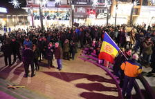 Mig miler de persones s'apleguen a la protesta a la plaça de The Cloud