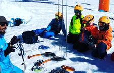 L'escola d'esquí d'Encamp fa un taller d'allaus