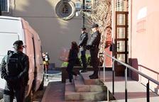 La guàrdia civil busca proves de corrupció a la Seu
