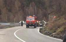 Dos ferits lleus en bolcar un cotxe a l'Aldosa de Canillo