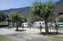 El comú avala el camp de futbol situat al Càmping Internacional