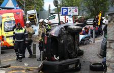 Dos ferits lleus en un accident prop del Comunal