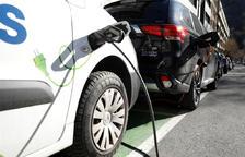 L'ajuda per a la compra de vehicles elèctrics es redueix fins al 35% del valor