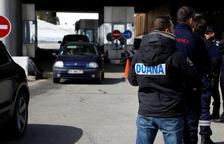 Forta entrada de vehicles per França en els dies del pont del dia 15