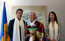 El representant del Dalai Lama presenta un projecte per la pau