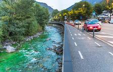 El comú tinta per error el riu de color verd