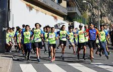 Més de 300 alumnes participen en una cursa solidària