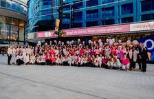 Els treballadors del MoraBanc units el Dia mundial del càncer de mama
