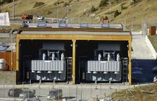 La nova línia d'alta tensió triplicarà la capacitat de transport d'energia