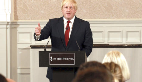Boris Johnson durant l'anunci.