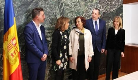 Els cònsols d'Andorra la vella, Conxita Marsol i Marc Pons amb Gaye Doganoglu, Zdenek Broz i Tania Groppi, representants de la Comissió de Seguiment de la Carta Europea de l'Autonomia Local del Congrés dels Poders Locals i Regionals del Consell d'Europa i membre del grup d'experts independents sobre la Carta Europea de l'Autonomia Local i del secretariat del congrés.
